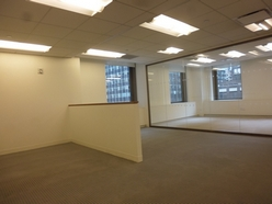 office-bullpen-midtown-manhattan