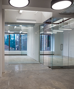 Offices With Glass Partitions